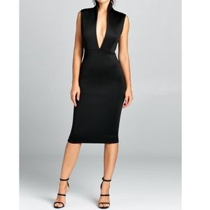 Dresses & Skirts - Solid deep V neck high collar dress.
